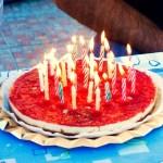 Tarta de queso de Teresa Vallejo. Hizo dos para poner las ¡50 velas! Receta original aquí.